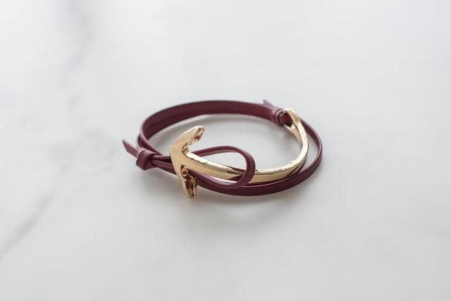 womens-anchor-bracelet.jpg
