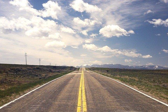 road-238458_640.jpg